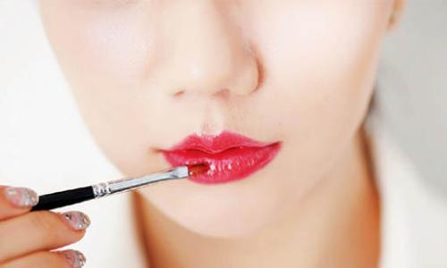 玻尿酸丰唇效果如何