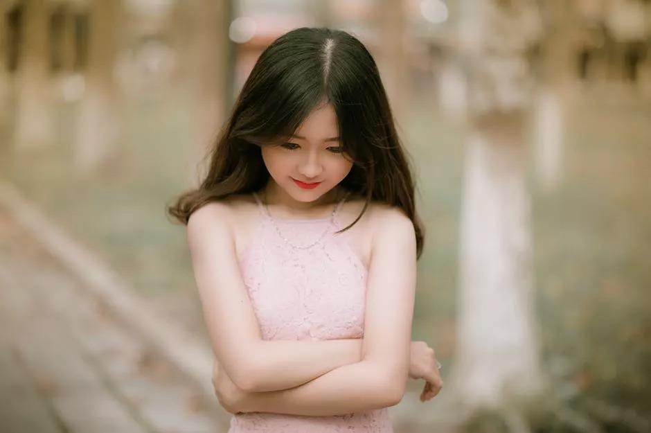 上海割双眼皮手术讲究年龄吗
