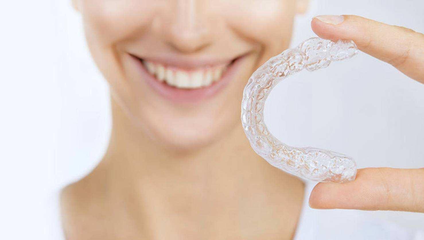 上海美莱周年庆透明矫正牙套的费用