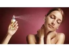 【上海美莱20周年庆】喷香水也会产生颈纹吗