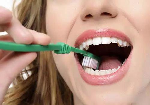 小苏打美白牙齿效果怎么样