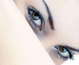哪种类型的人不适合割双眼皮整形