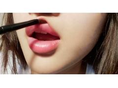 自体脂肪丰唇的效果是终身的吗