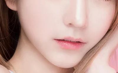 假体隆鼻材料硅胶好还是膨体好