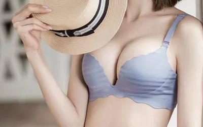 上海假体隆胸后按摩胸部有什么好处吗