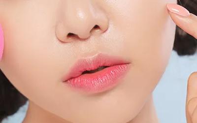 上海注射玻尿酸丰唇会有风险问题吗