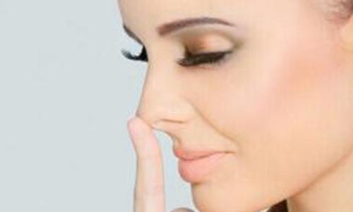 假体隆鼻整形术后可能会什么风险