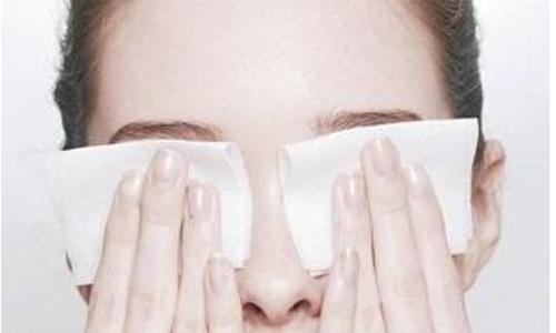 割完双眼皮拆线后应该怎么护理