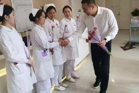 上海美莱512国际护士节展现团队合作精神
