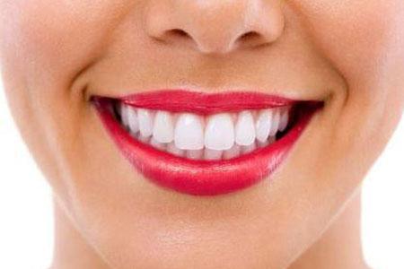 牙齿有点发黄怎么才能变白