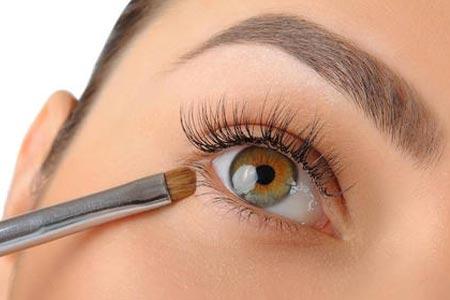割完双眼皮术后多久才能带隐形眼镜