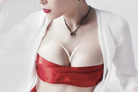 女性胸部外扩下垂有没有什么方法可以改善