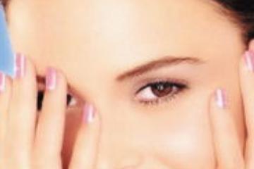 祛眼袋手术越早做越好吗?